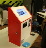 Πρωτότυπες συσκευές μικροχρηματοδότησης σχεδιάζει ομάδα νέων ανθρώπων